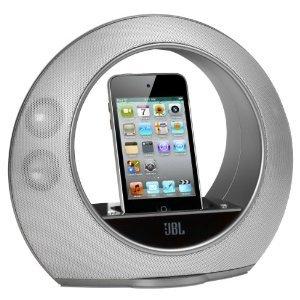 Zu jedem iPod Touch 4G mit 32GB gibts eine JBL Dockingstation im Wert von 90 EUR geschenkt!
