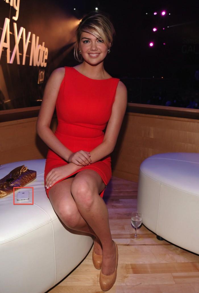 Supermodel Kate Upton auf Samsung Event mit Apple iPhone