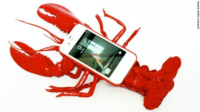 Hummer am Ohr? Das wohl unpraktischste iPhone Case! 121228030522 lobster iphone story top