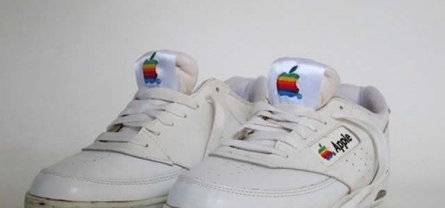 Original Apple Sneakers aus den 90ern!