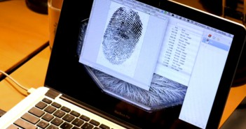 Starbug's Touch ID Attack. on Vimeo 2013-09-25 16-33-51