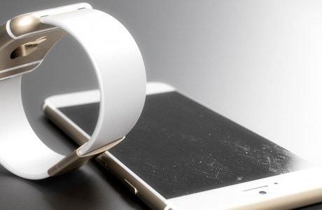 Apple iWatch mit Facebook, Twitter & iWatch App Store 2
