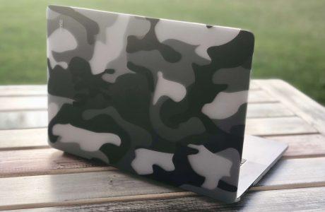 Gut getarnt: MacBook Pro mit Camouflage Clip, die stylische Schutzhülle fürs MacBook von Artwizz 5