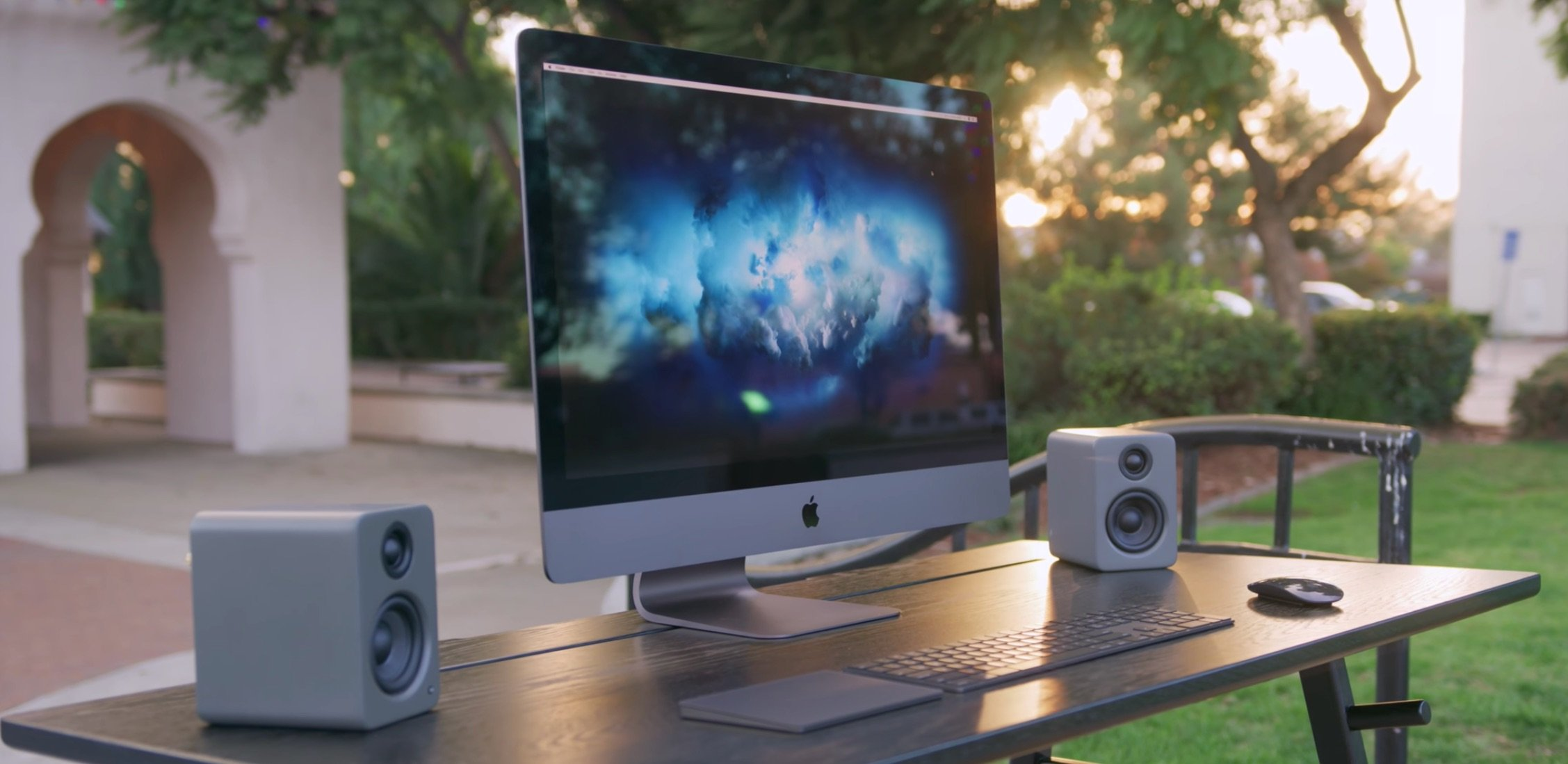 iMac Pro ab 14.Dez bestellen: 18-Core Xeon CPU, 128GB RAM, Radeon Pro Vega GPU 1