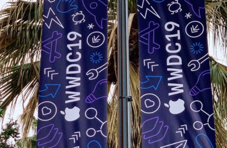 WWDC 19 Fotos: Apple schmückt WWDC mit Neon Dub Dub Schriftzug 2